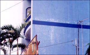 Tại sao sơn tường nhà nhanh bị phai màu?