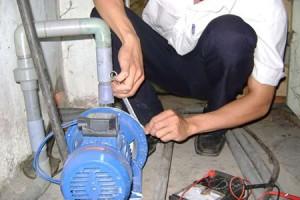 Thợ sửa máy bơm nước tại quận 3 - Dịch vụ sửa điện nước tại nhà giá rẻ